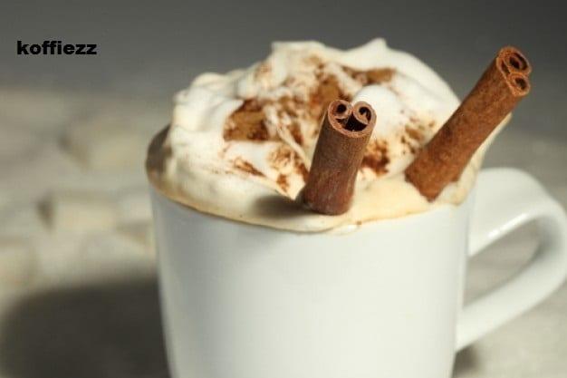 Koffie verkeerd met hazelnoot en kaneel